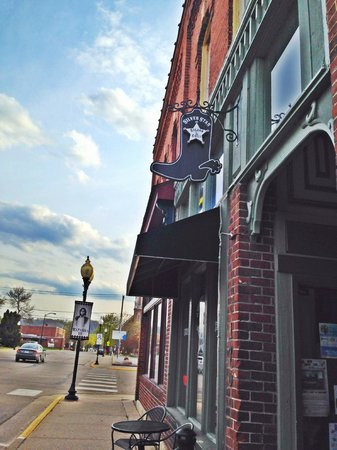 Silver Star Saloon & Grill